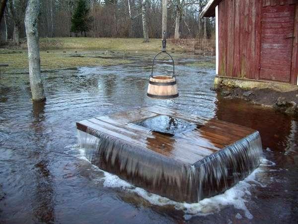 Если уровень грунтовых вод сильно повысится, колодец может выглядеть так