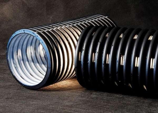 Двухслойная дренажная труба из полиэтилена низкого давления (ПНД)
