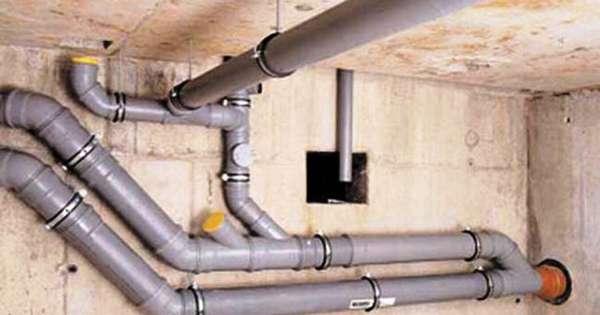 Как лучше закрепить канализационные трубы к стене: виды креплений и способы правильного монтажа