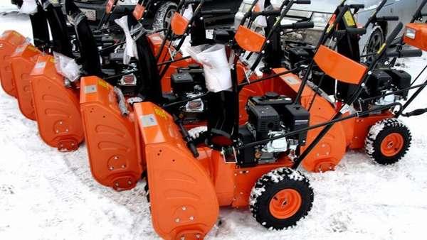 Китайские и немецкие производители предлагают большой ассортимент снежных комбайнов