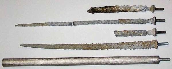 Вместо рабочих деталей повреждается сам анод из магния. Примерно через 10-14 месяцев необходимо установить новый аналогичный элемент