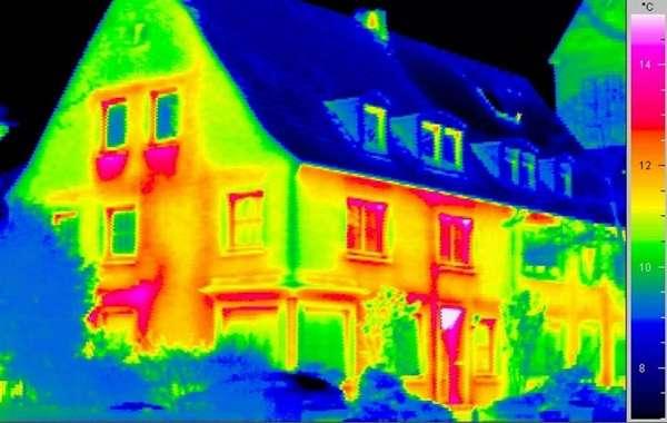 Утечку тепла может помочь найти тепловизор