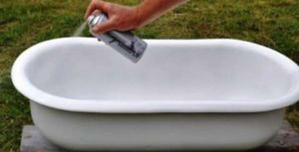 Брызгаем ванну эмалью