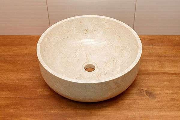 Камень – изысканный материал для оформления в классическом стиле
