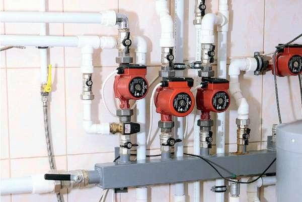 Какое давление в трубах отопления нормально и что делать с перепадами?