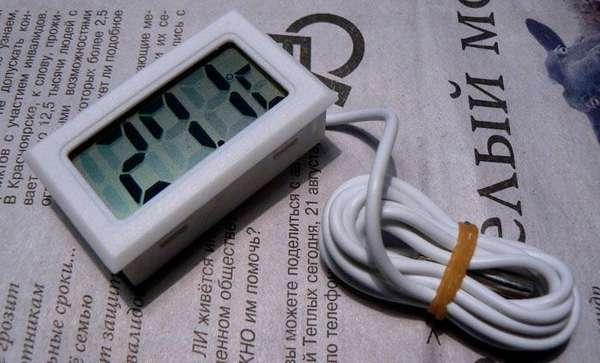 Простейшие модели могут измерять только температуру за окном
