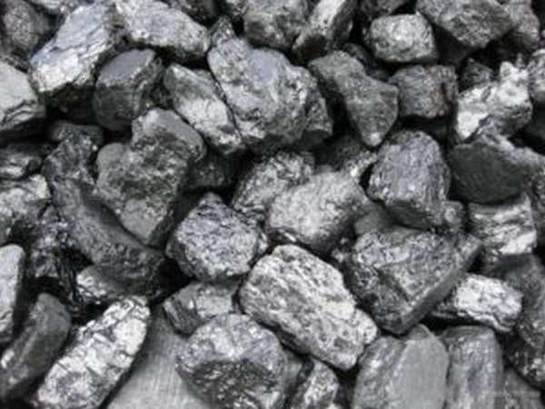 Правила выбора угля для печи в зависимости от материала и места установки
