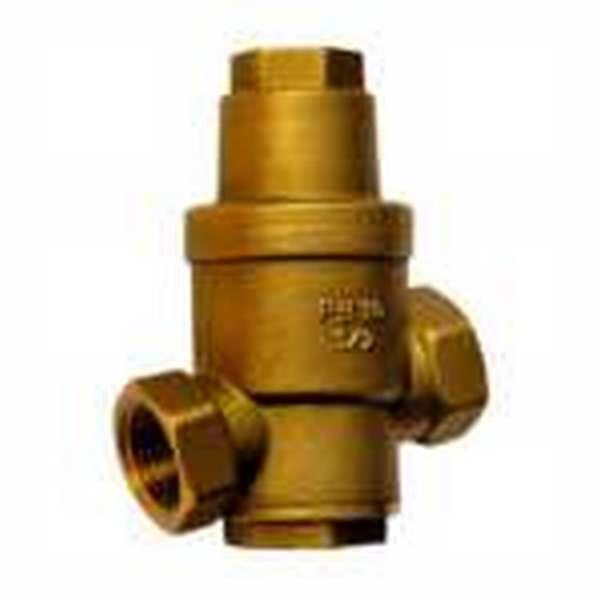 Зачем необходим регулятор давления воды в системе водоснабжения дома и квартиры