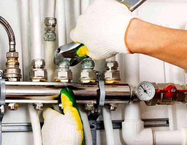 При монтаже отопления все штуцера должны быть тщательно протянуты
