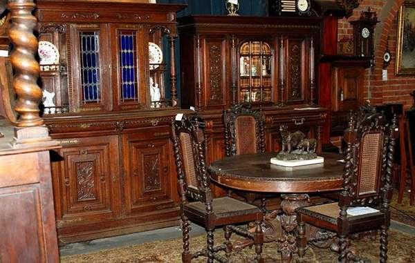 Ценная антикварная мебель не будет испорчена, если поддерживать влажность воздуха в квартире от 40 до 60%