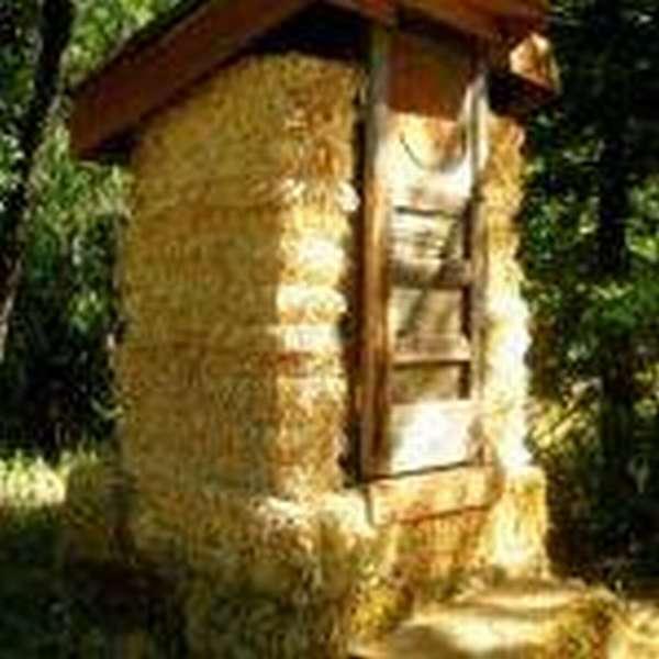 Устанавливаем туалет для дачи без запаха и откачки - насколько это сложно?