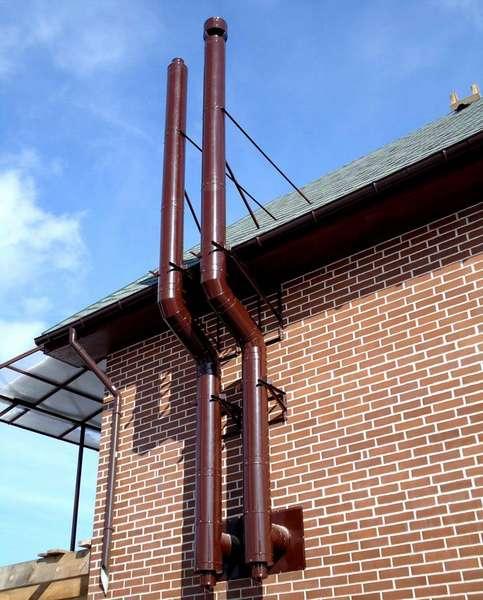 Такие трубы можно выкрасить в любой цвет, идеально подходящий для внешнего архитектурного облика здания