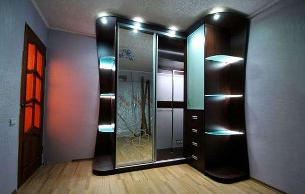 Удобное и красивое оснащение шкафа-купе