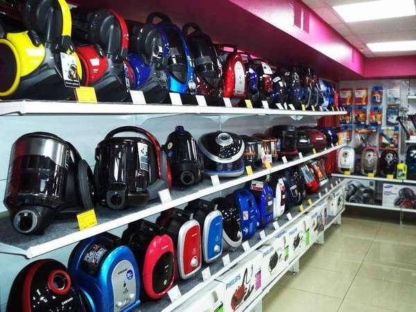 В магазинах представлено огромное количество моющих пылесосов с разной стоимостью и характеристиками
