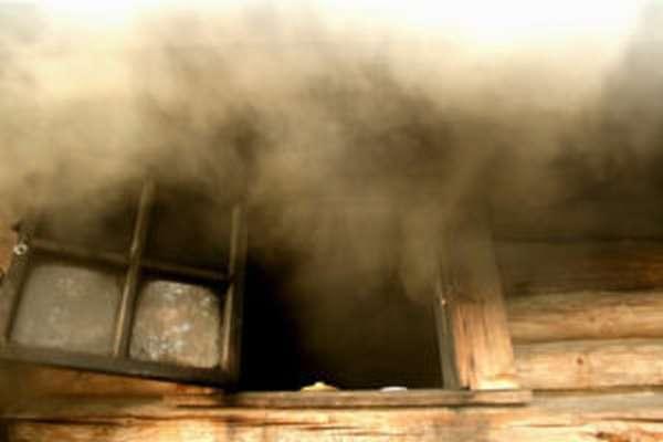 Почему дымит железная или кирпичная печь в бане и как это исправить?