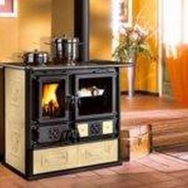 Экономим на топливе: печь-камин для дачи длительного горения