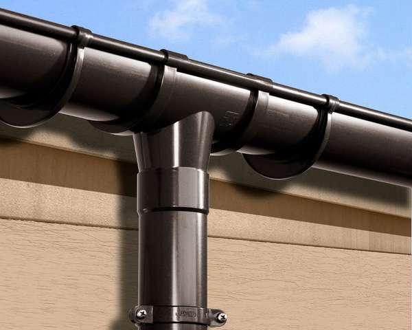 Как сделать водосток из канализационных труб своими руками?