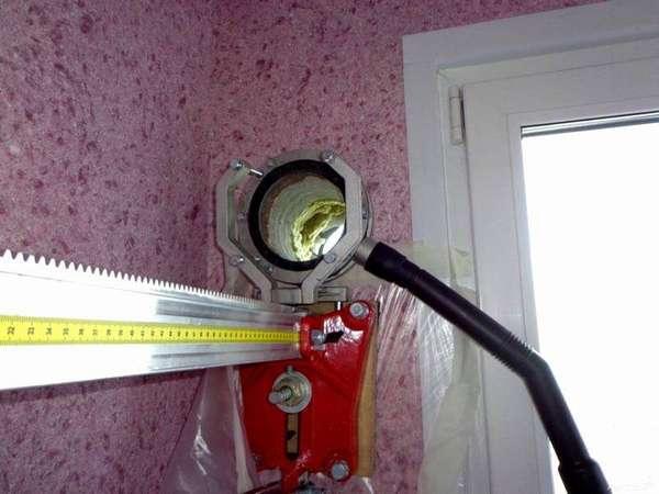 Иногда необходимо дополнительное отверстие под вентиляцию