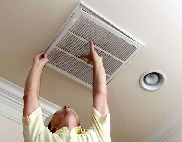 Чистку решетки вентиляции нужно производить регулярно
