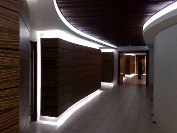 Освещение пола и потолка в коридоре