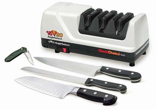 Внешне прибор напоминает металлический брус с отверстиями разного размера для всех типов ножей