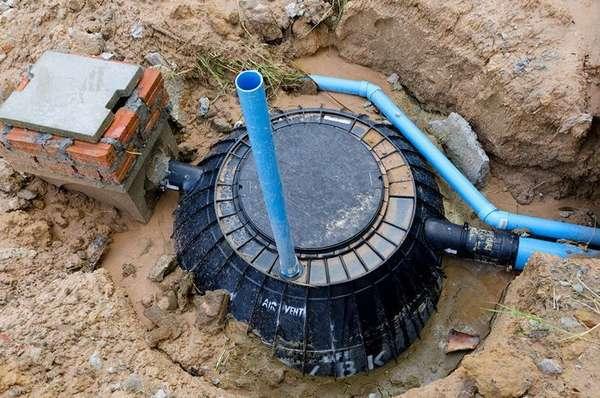 …но заводской резервуар предпочтительнее – можно не волноваться за герметичность