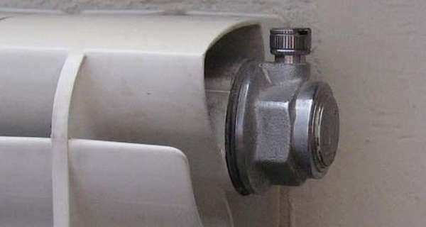 миниатюрный автоматический клапан для сброса воздуха на радиаторе
