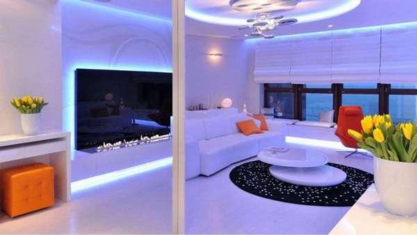 Эффектное оформление мебели, электроники, удачная комбинация разных типов светильников
