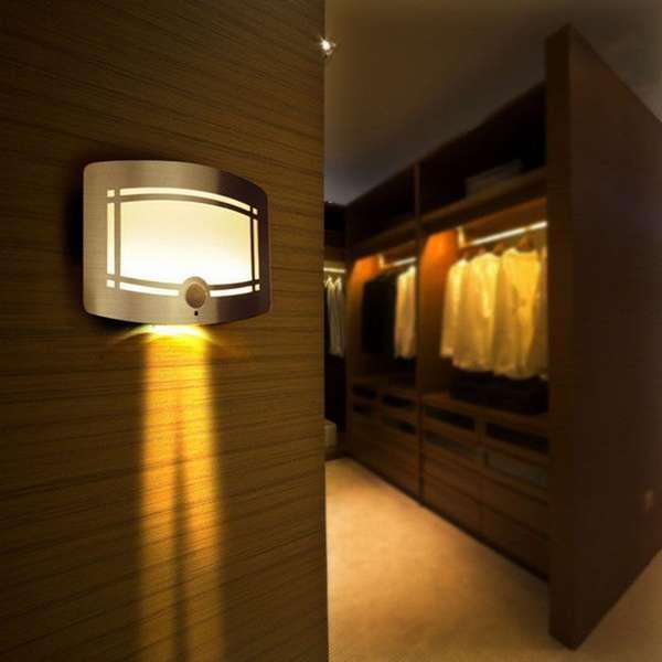Можно приобрести светодиодный светильник со встроенным датчиком движения и освещённости. Внешне он ничем не отличается от серийного изделия