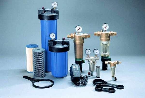 Одиночные магистральные проточные фильтры для воды применяют для задерживания механических примесей
