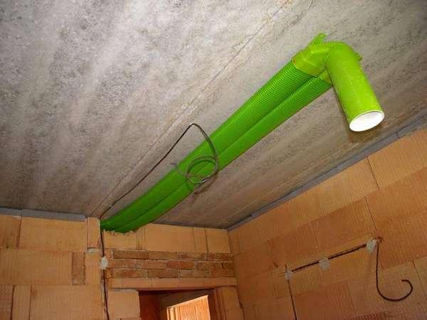Монтировать такой воздуховод в подвале нельзя