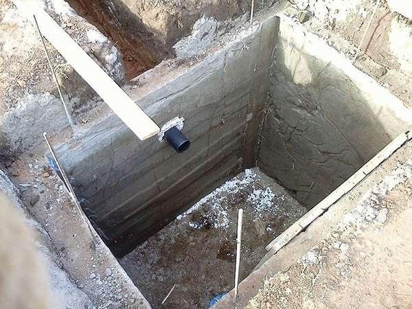 Как сделать выгребную яму: материалы и способы