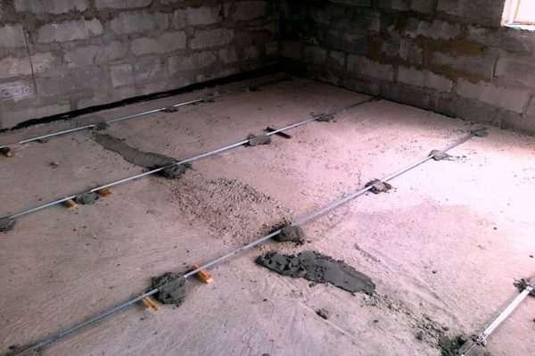 Как сделать бетонную стяжку пола