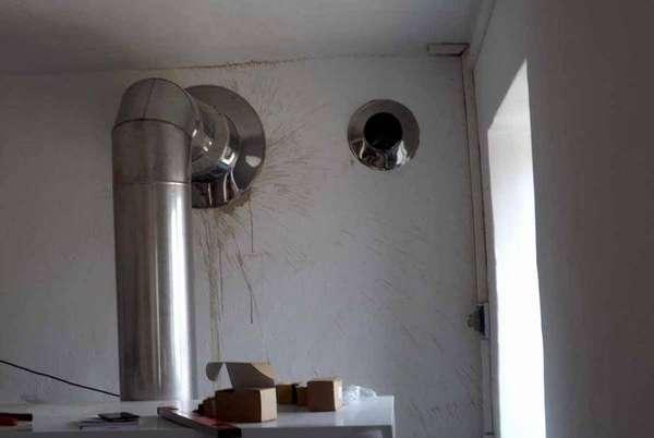 Пример аккуратно исполненного прохода через стену