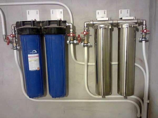 Двухступенчатая фильтрация горячей и холодной воды – это более надежно, чем обычная грубая очистка