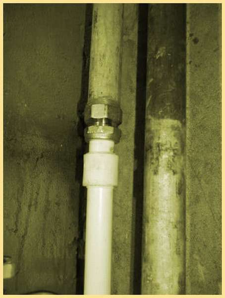 Стыковка ПНД труб с металопластиковыми