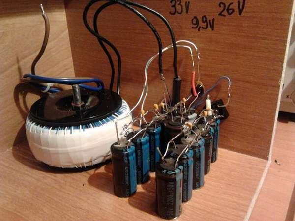 Часто без соединения конденсаторов в батарею не обойтись. Главное – сделать это правильно