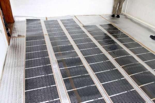 Пленочный теплый пол под линолеум: монтажные работы теплоизоляции