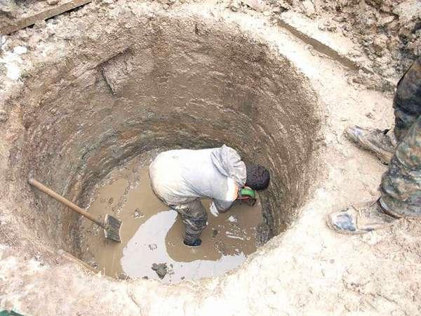 Высокий уровень грунтовых вод затрудняет установку оборудования