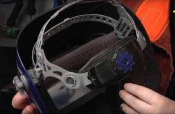 Конструкция и функциональные возможности маски сварщика Foxweld Корунд