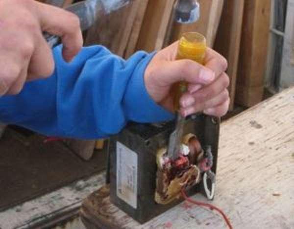 Инструкция изготовления контактной сварки своими руками из трансформатора микроволновки