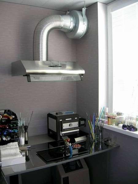 Установив дополнительный канальный вентилятор на вытяжку можно повысить интенсивность воздухообмена