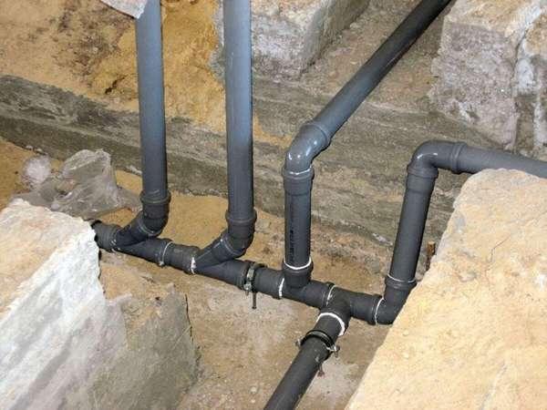 Если объем воды небольшой, можно свести несколько веток канализации в одну