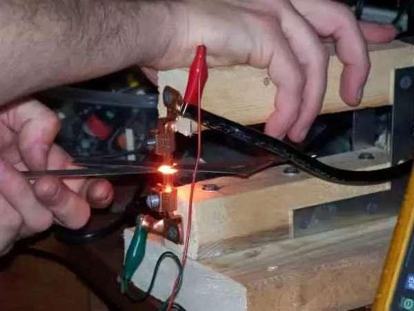 Самодельный аппарат конденсаторной сварки.