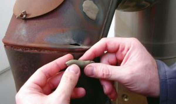Как использовать высокотемпературную водостойкую холодную сварку для металла?